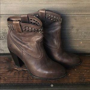 Frye Jenny Studded Short Ankle Boot Bootie 10 Grey